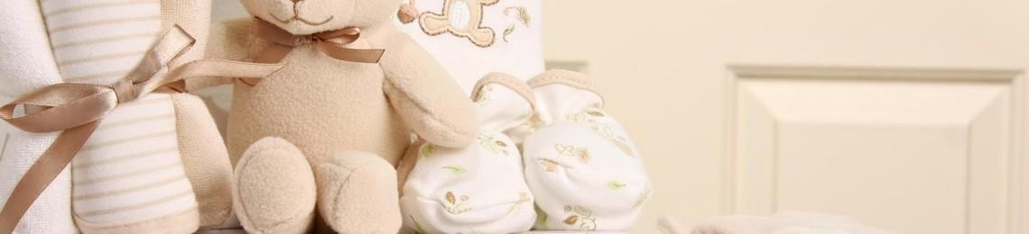 Идеи подарков новорожденному и советы по выбору