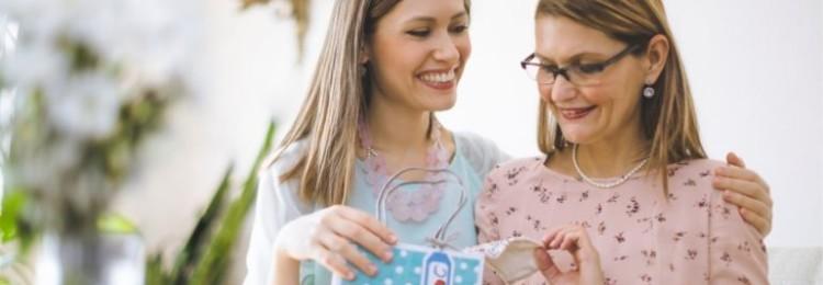 Лучшие идеи оригинальных подарков маме на день рождения