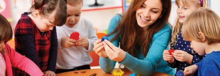 Какие подарки для пап на 23 февраля могут сделать малыши в детском саду?