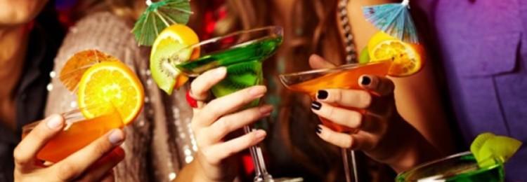 Рецепты алкогольных и безалкогольных коктейлей на 8 марта