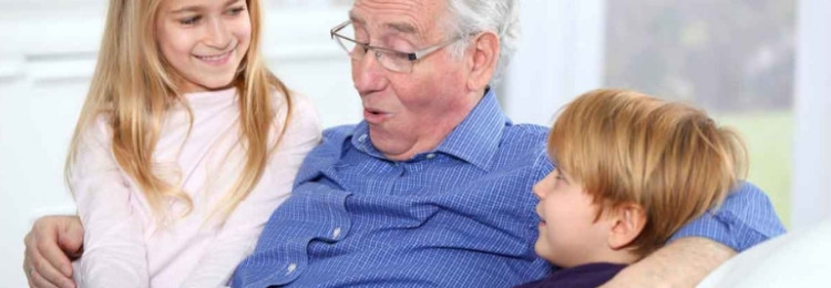 Что можно подарить дедушке на 23 февраля от внуков?