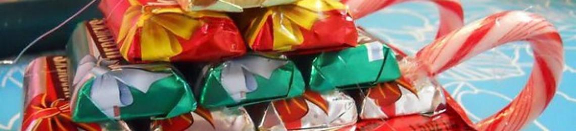 Как сделать новогодний подарок из конфет своими руками, интересные идеи