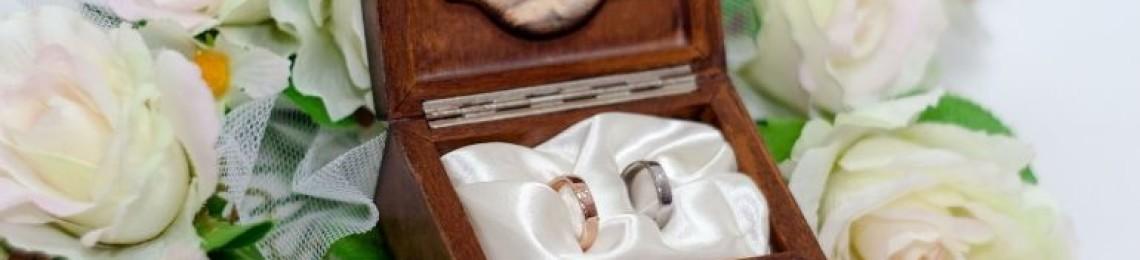 Как сделать своими руками шкатулочку для обручальных колец?