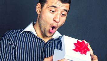 Брату 30 лет — лучшие подарки и поздравления